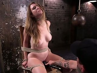 Ashley Lane, Bdsm, Peitos Grandes, Careca, Bondage , Morena , Dildo, No Calabouço , Horny, Gemendo ,