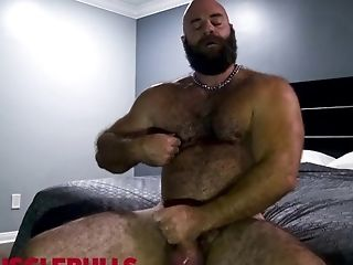 Hairy: 387 Videos